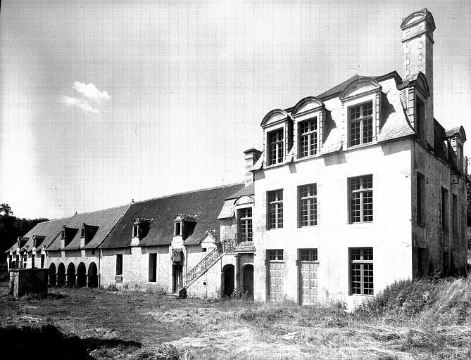 Vue générale d'un corps de bâtiment