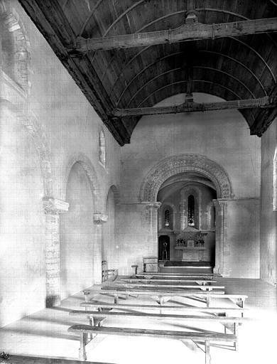 Intérieur de la nef et du choeur vers l'est, restauration terminée