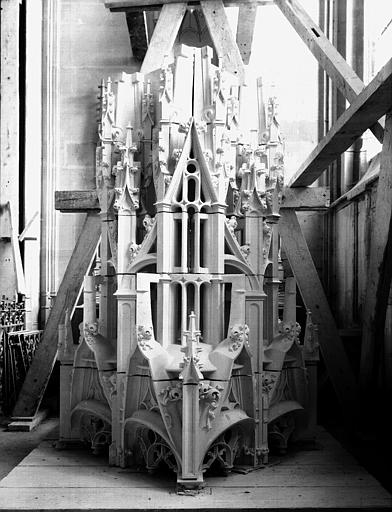 Construction d'un pinacle