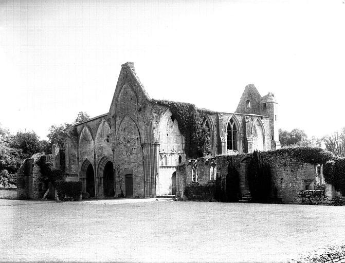 Rested de l'église : ensemble sud-ouest