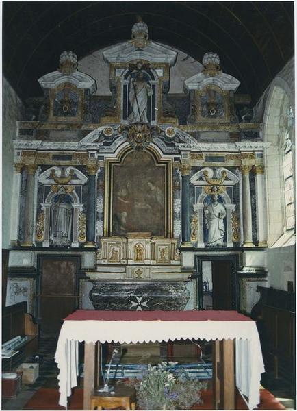 retable du maître-autel, tabernacle, statues : Saint Aubin, Saint Martin, Saint Pierre, tableau : la Nativité, vue générale
