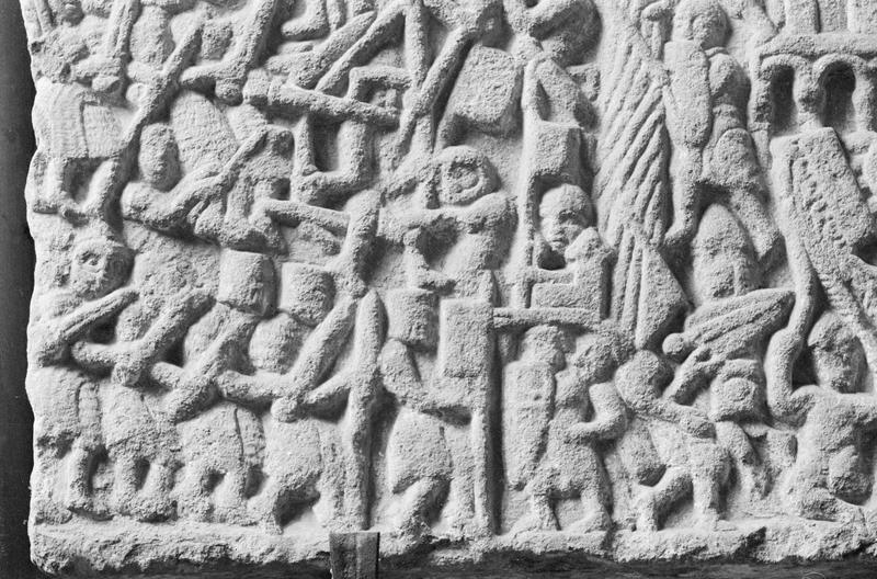 Bas-relief : Le siège de Toulouse, détail de la partie inférieure gauche