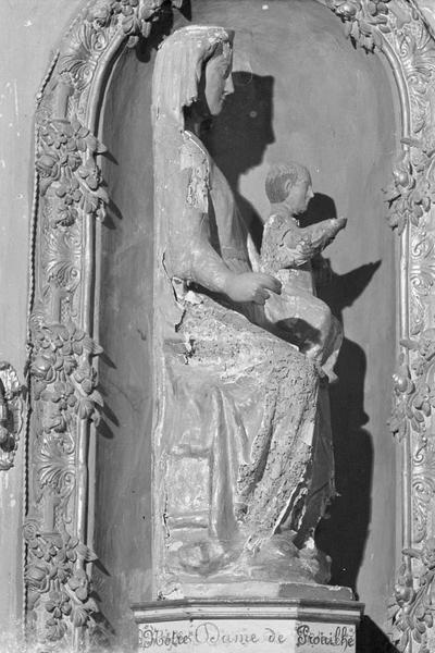 Statue en bois : Vierge à l'Enfant assise dite Notre-Dame de Prouilhe, profil droit