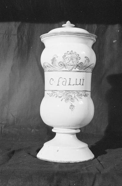 Pot à pharmacie en faïence de Marseille avec inscription 'C Falui', de face