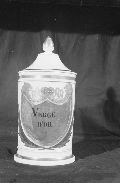 Pot à pharmacie en faïence de Marseille avec inscription 'Verge d'or', de face