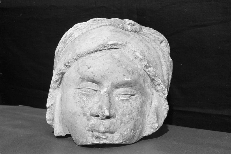 Statue, fragment : tête de sainte Marie-Madeleine, de face