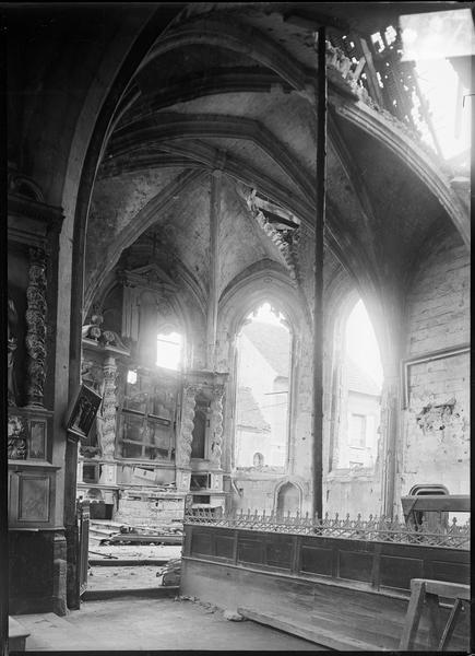 Intérieur : abside avec maître-autel