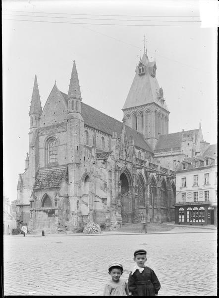 Ensemble sud-ouest avec place Saint-Gervais