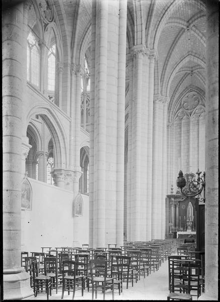 Intérieur, chapelle Sacré-Coeur : bas-côté sud du choeur