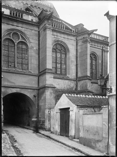 Passage sous l'église, côté sud