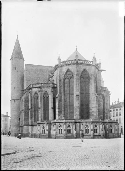 Ensemble sud-est avec abside et tourelle