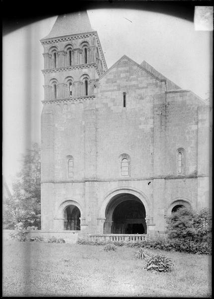 Façade ouest avec clocher