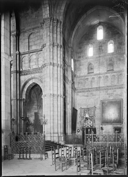 Intérieur : transept nord, depuis la croisée
