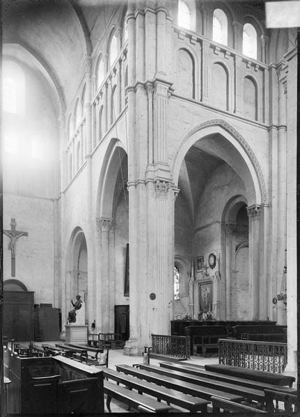 Intérieur : transept nord et partie du déambulatoire