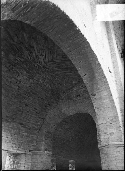 Intérieur : voûte du collatérale à l'étage du narthex, dit chapelle Saint-Michel