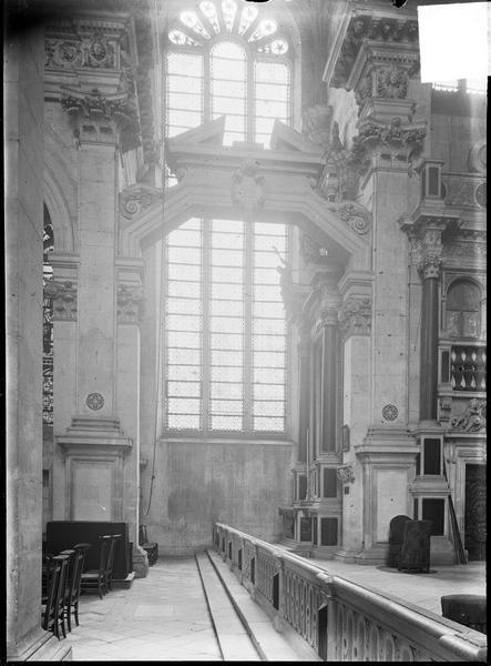 Intérieur, chapelle : croisée du transept