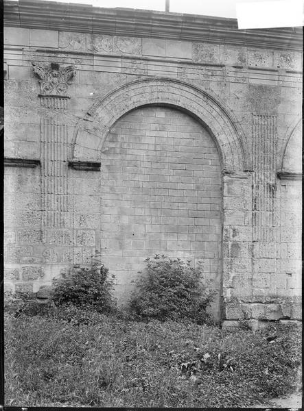 Porte romaine sur les remparts