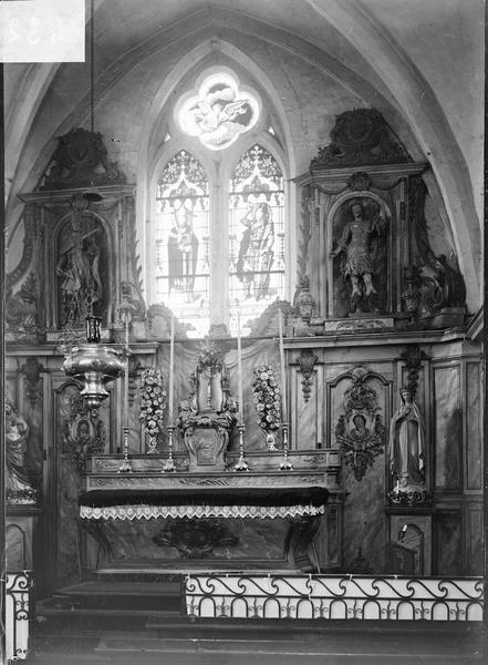 Intérieur : choeur avec maître-autel