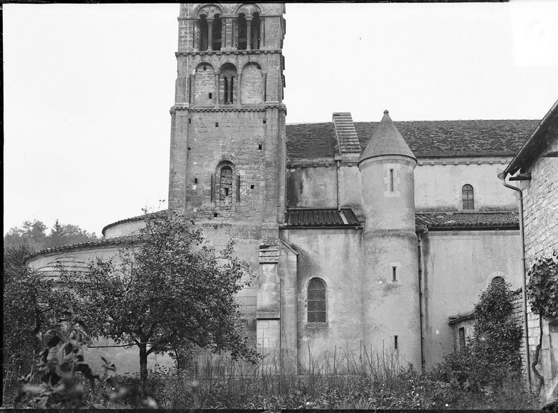 Abside et clocher, côté nord