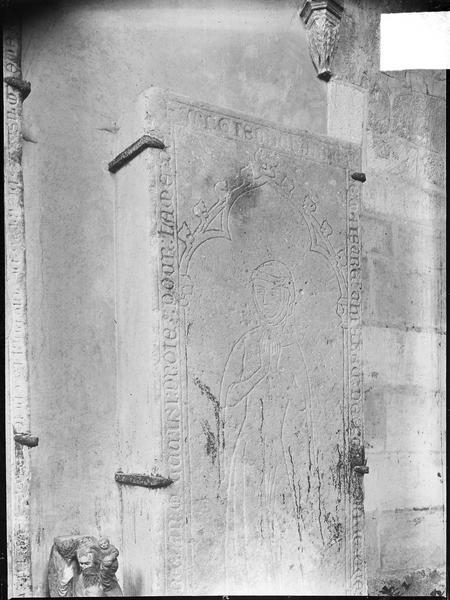 2 dalles funéraires de Guillaume Bouvenot, sa femme et leurs fils