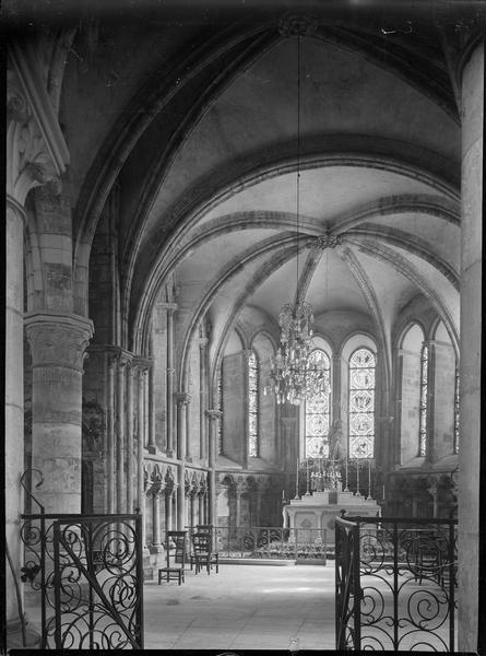 Intérieur : déambulatoire, chapelle rayonnante