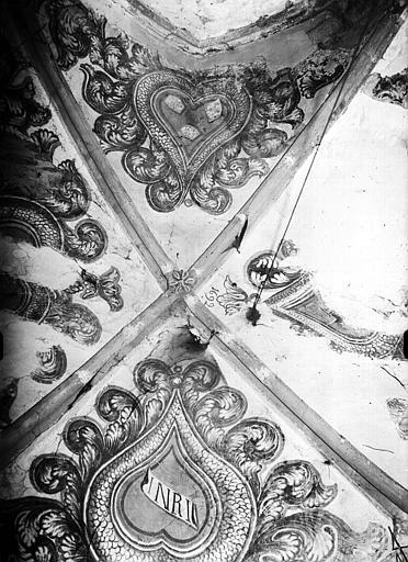 Voûte décorée de peintures murales