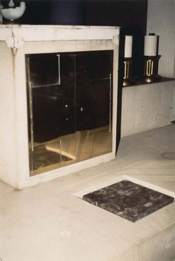 Tabernacle du maître-autel, calcaire et métal, vers 1939