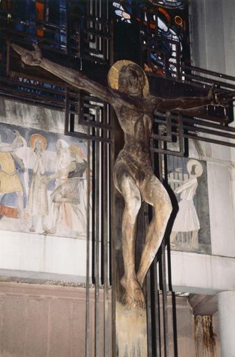 Croix d'autel : Christ en croix, bois