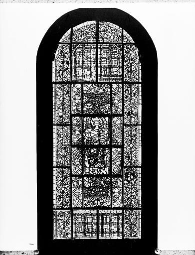 Photomontage de vitrail : baie I, Vierge en Majesté, état après  restauration
