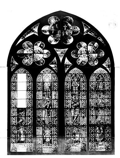 Photomontage de vitrail : baie U, saint Savinien, état après  restauration