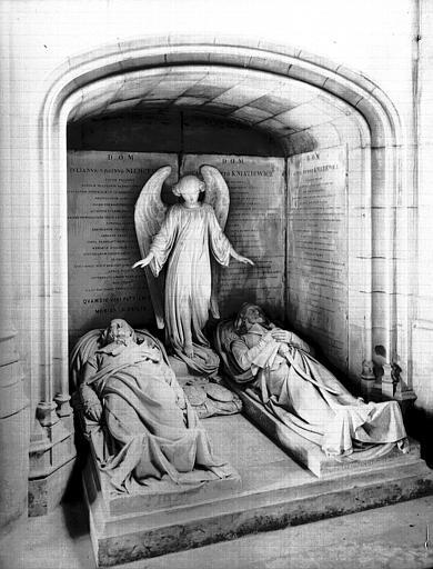 Monument funéraire de Niemcewicz et Kniaziewicz, marbre