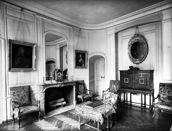 Salon Louis XIV donnant sur le parc