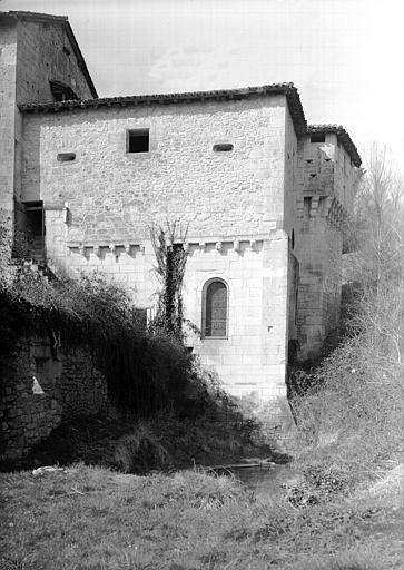Chapelle : abside, face sud