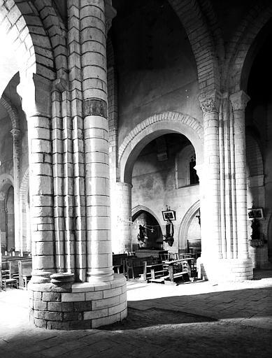 Eglise : piles sud-ouest et nord-ouest de la croisée, vers le nord-ouest