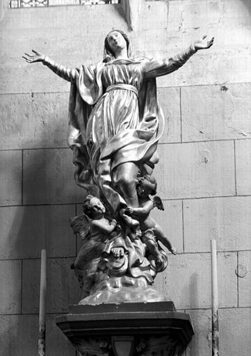 Chapelle latérale sud : Vierge de l'Assomption en bois doré