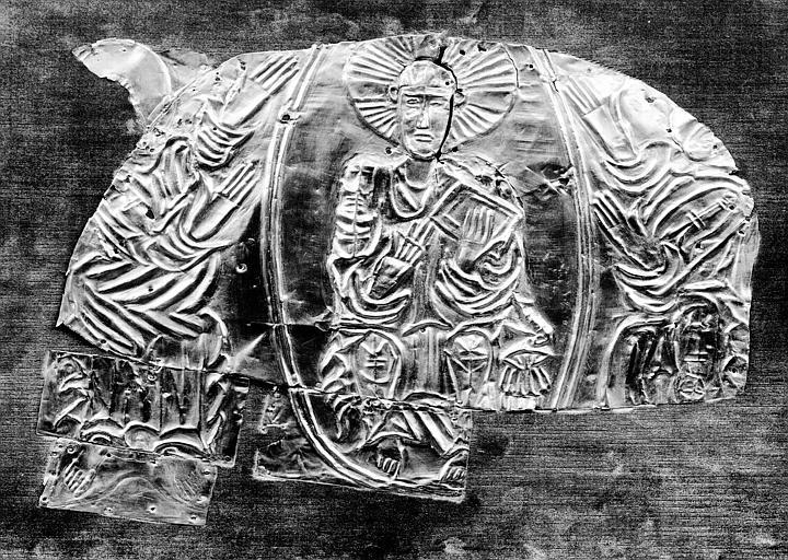 Antépendium en vermeil trouvé sur différents reliquaires : Christ  en Majesté dans le Tétramorphe
