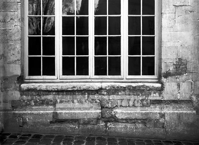 Soubassement de fenêtre