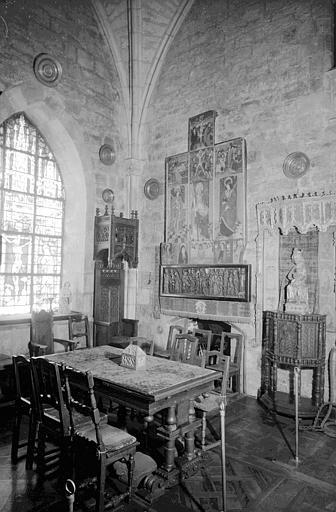 Retable peint à prédelle sculptée, supposé être situé dans la  chapelle