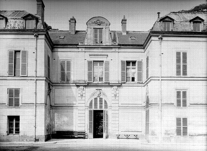 Pavillon de chasse, façade