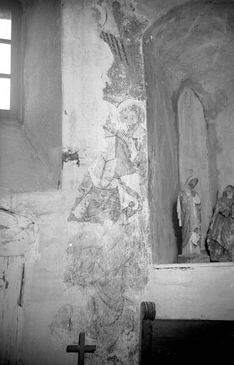 décor peint des voûtes : la Résurrection des morts, Christ juge, la Transfiguration, Moïse et les tables de la loi, les instruments de la Passion, le tétramorphe, anges musiciens.