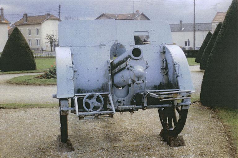 Canon de la première guerre mondial dit canon n°6