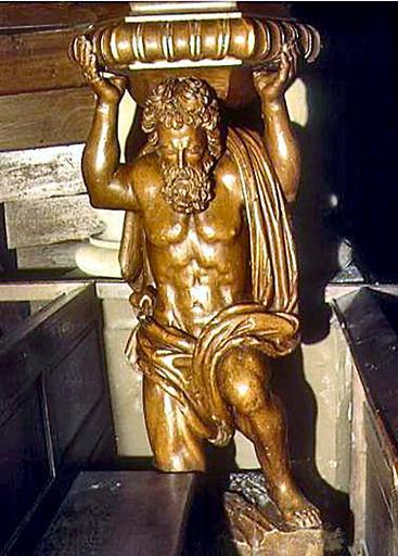 Statue : Samson sous la chaire à prêcher