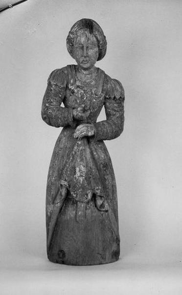 Statue : sainte Femme (sainte Madeleine ?)