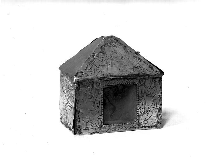 Châsse des saints Innocents, cuivre doré sur âme de bois : face,  état avant restauration