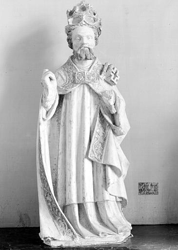 Statue en calcaire : saint Pierre