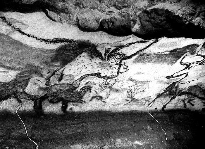 Salle des Taureaux, grande frise de la paroi gauche : troisième  fragment