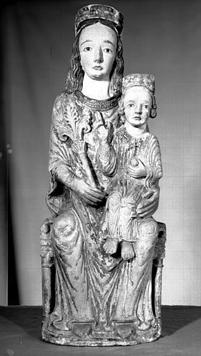 Statue en calcaire : Vierge en Majesté