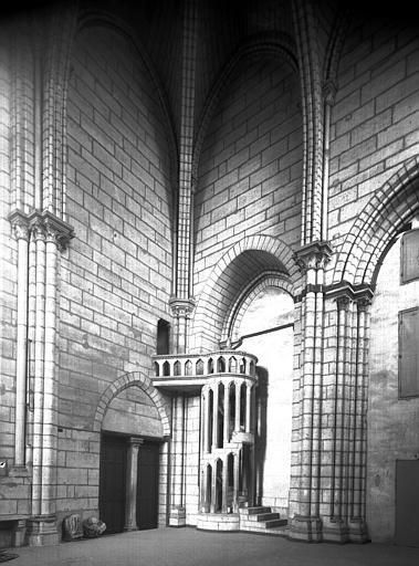 Intérieur, chapelle de la tour sud, au premier étage, vers le  nord-est