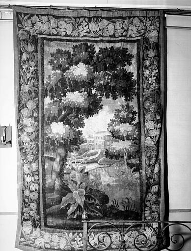 Tapisserie d'Aubusson située dans le vestibule : verdures