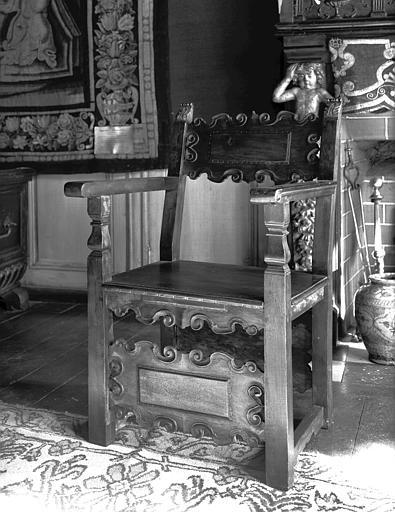 Salle des Consuls : fauteuil espagnol